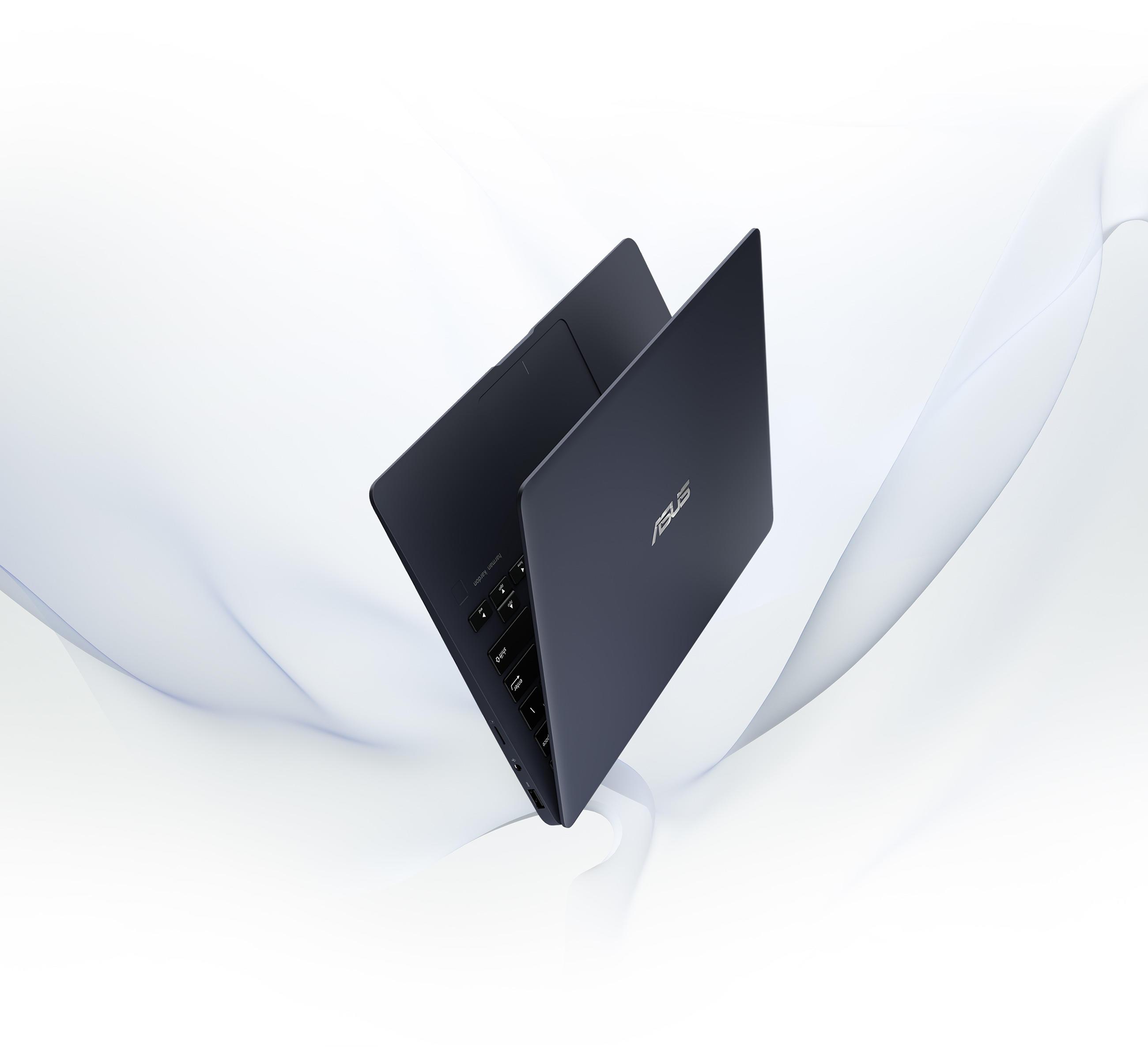 ASUS ZenBook 13.jpg